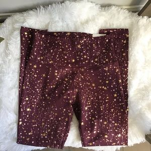 Aerie Chill Play Move MaroonStar Leggings NWT